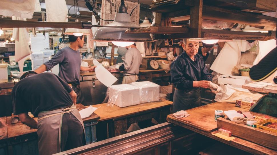 toquio-japao-tsukiji-homens