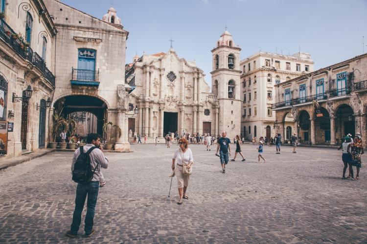 praça_catedral_havana