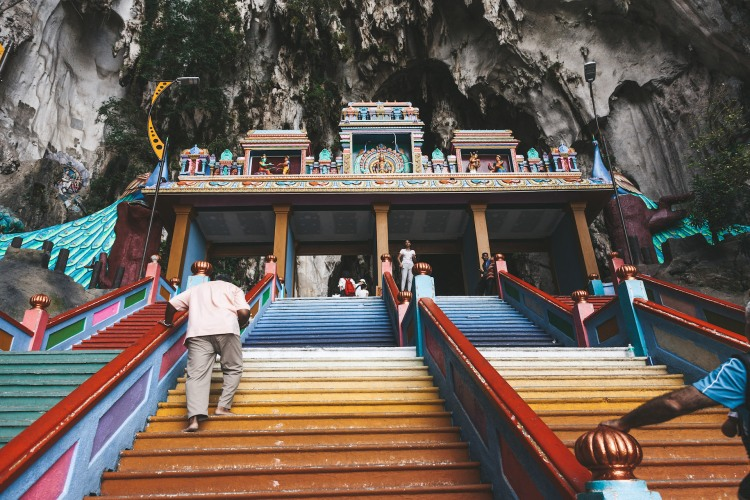 kl_batucaves_stairs