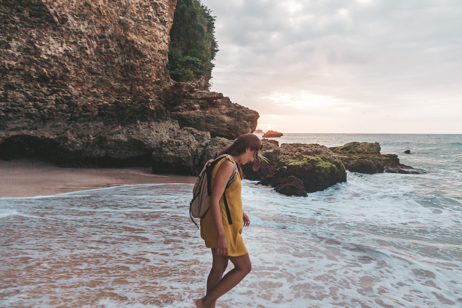 Pantai-Tegal-Wangi_pipa_uluwatu_bali