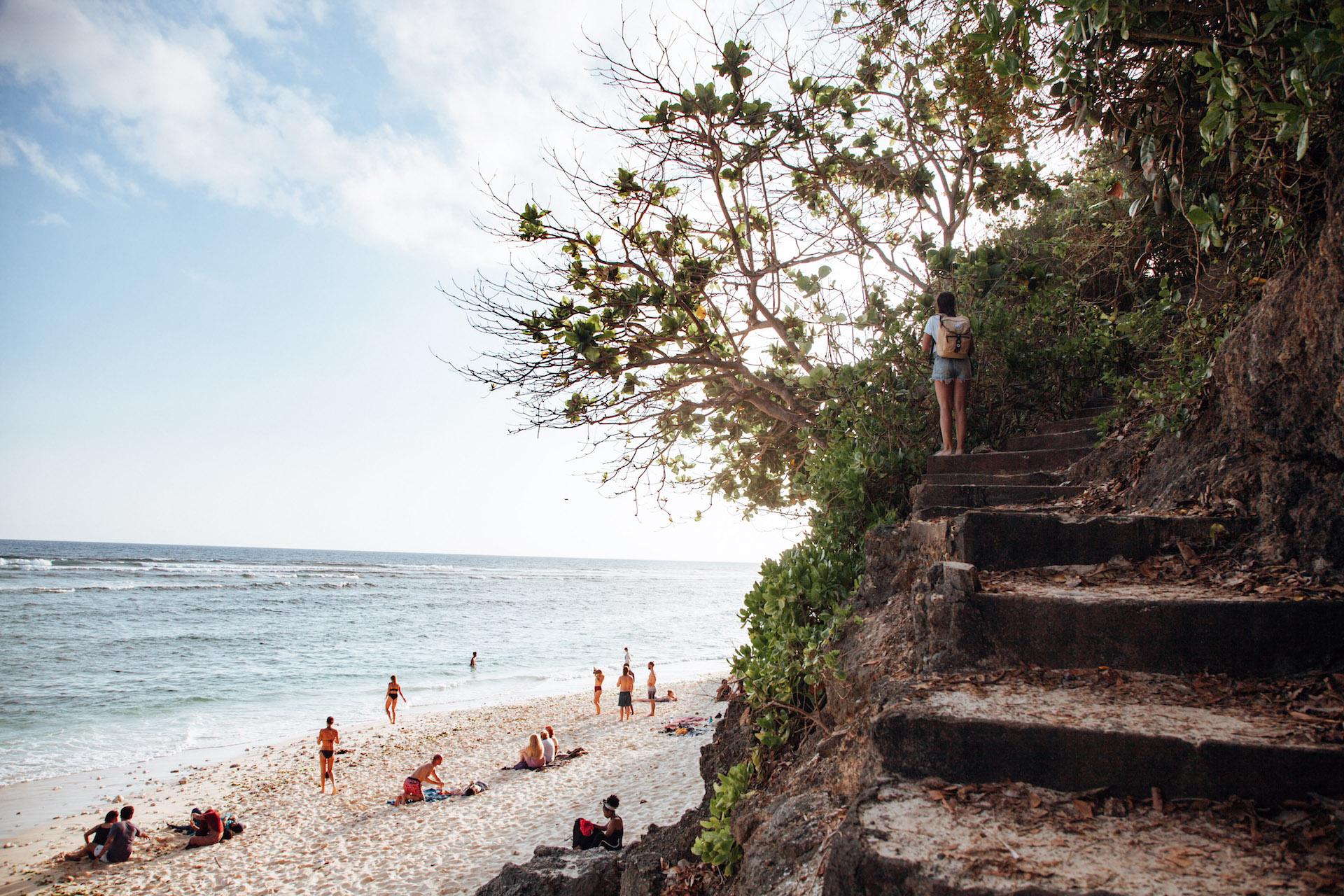 green-bowl-beach_uluwatu_bali