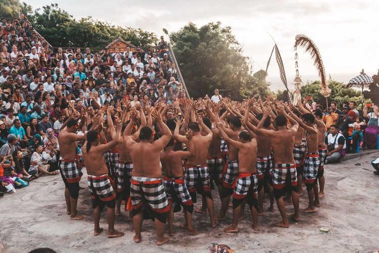 kecak-fire-dance_temple_uluwatu_bali