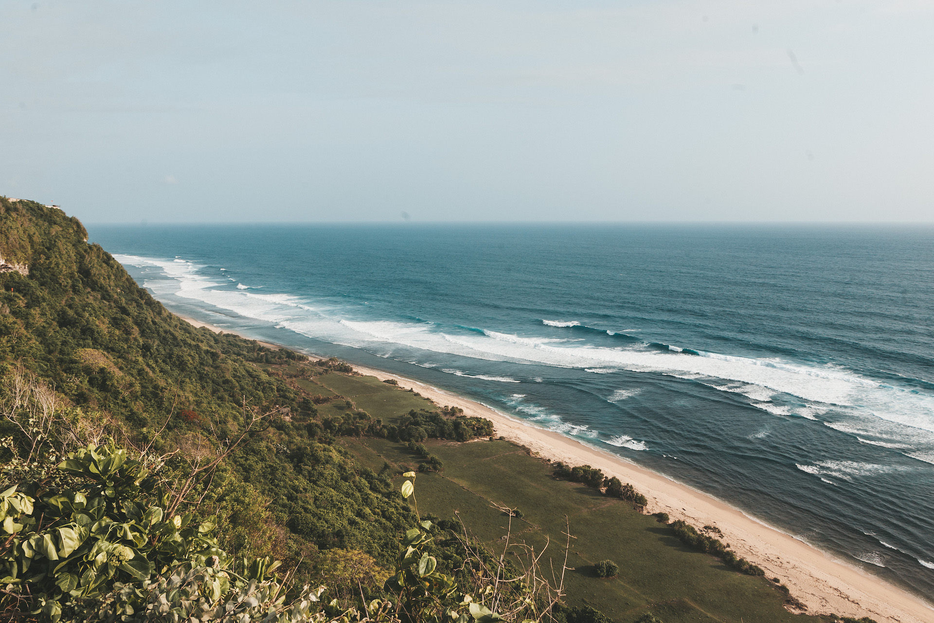 nyang-nyang-beach_panorama_uluwatu_bali