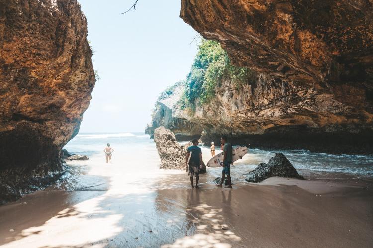 suluban-beach_surf_uluwatu_bali