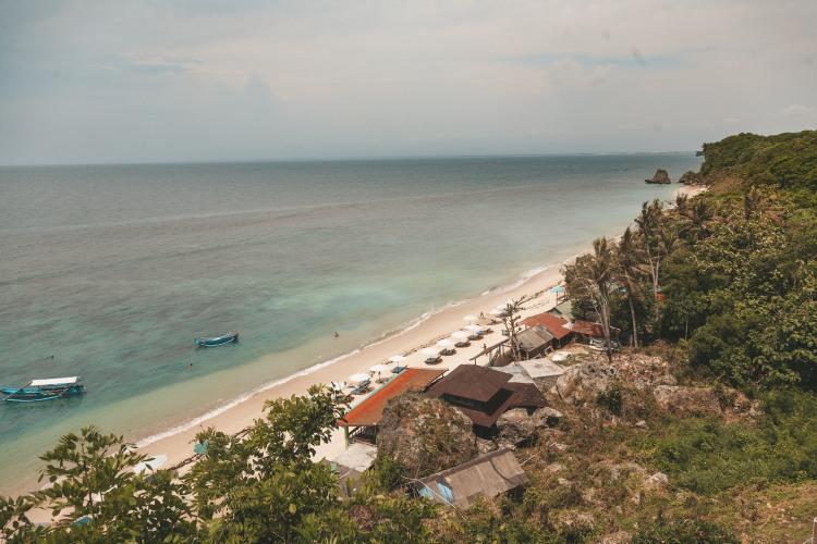 thomas-beach_uluwatu_bali
